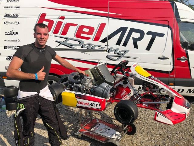 Thonon with Birel ART KSW in Genk, the background.